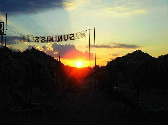 Sun Kiss Beach Bar: hliobasilema