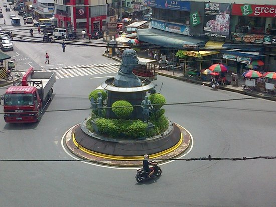 Cherry Midtown Hotel: View of Ulo ng Apo