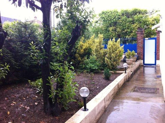 Hotel Moderne: Garden