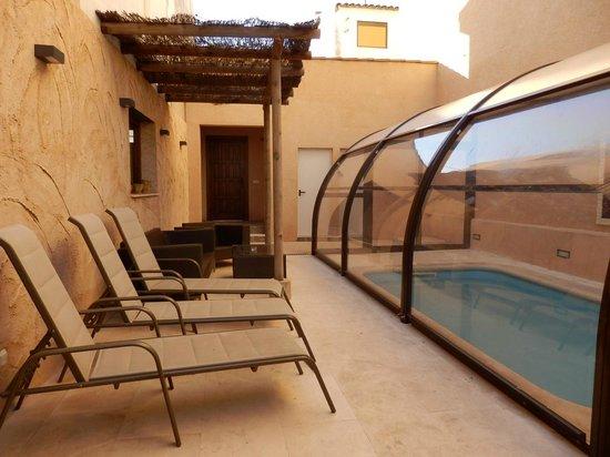 Casa Rural Descanso del Quijote: Piscina