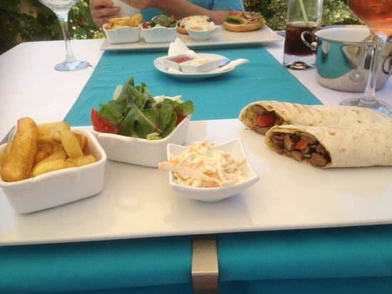 Likya Residence and Spa: I had the steak wrap - gorgeous