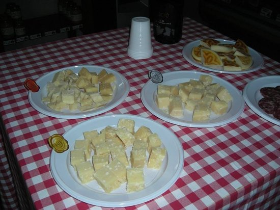 Emilian Land Tour: Cheese tasting