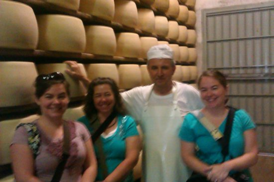 Emilian Land Tour: At the parmigiano reggiano factory