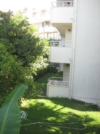 Hotel Monachus & spa: вид одного из корпусов