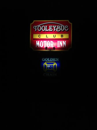 Welcoming lights at the Tooleybuc Club Motor Inn