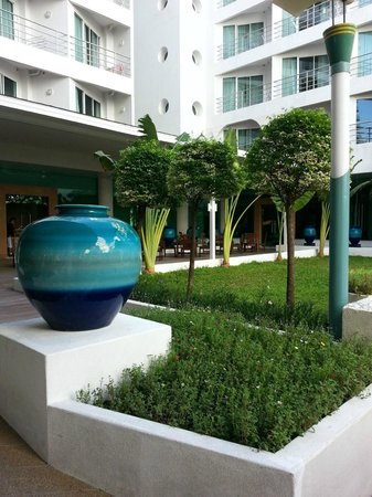 A-ONE Pattaya Beach Resort: The Garden Area