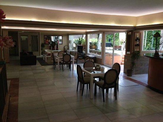 Hotel Subur Maritim: Lobby