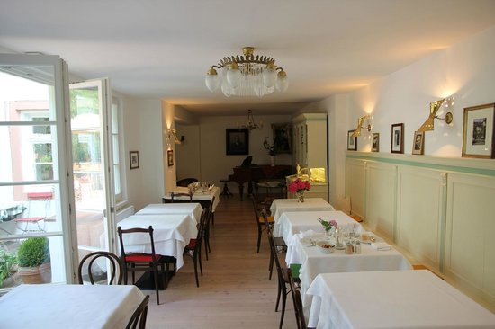 Ottmanngut Suite and Breakfast: Breakfast room - but the garden is equally inviting to have breakfast.