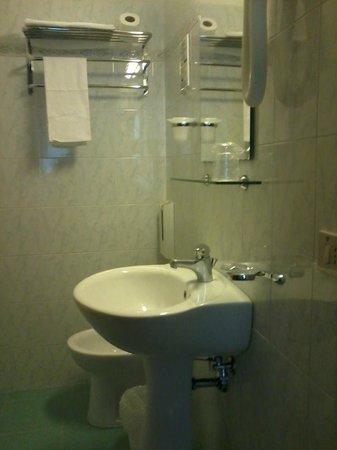 Hotel Silla: bagno