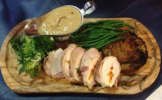 The Boars Head: Chicken & sweet pepper roulade
