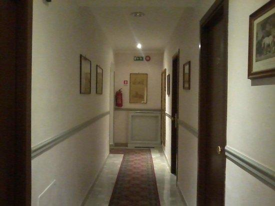Hotel Silla: corridoio