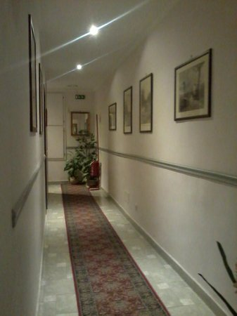 Hotel Silla: corridio