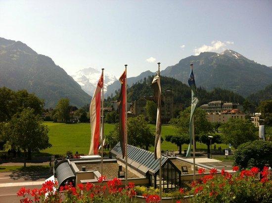 Victoria Jungfrau Grand Hotel & Spa: Herrlicher Blick vom Zimmer