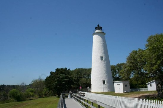 how tall is ocracoke lighthouse