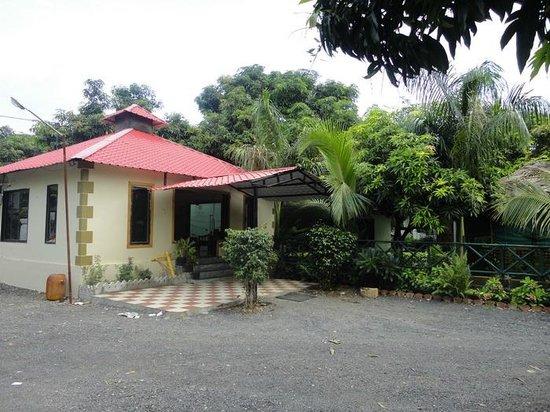 bedroom picture of saavaj resort  sasan gir tripadvisor