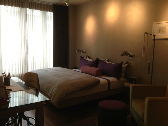 Chambers Hotel: the bedroom