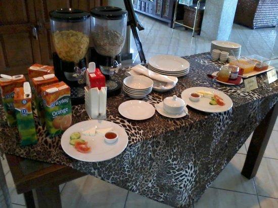 Bella View Boutique Hotel: breakfast-1