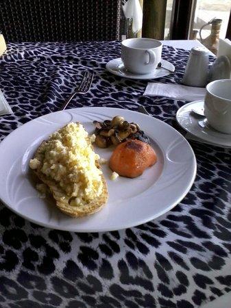 Bella View Boutique Hotel: breakfast-3 (hot option....)