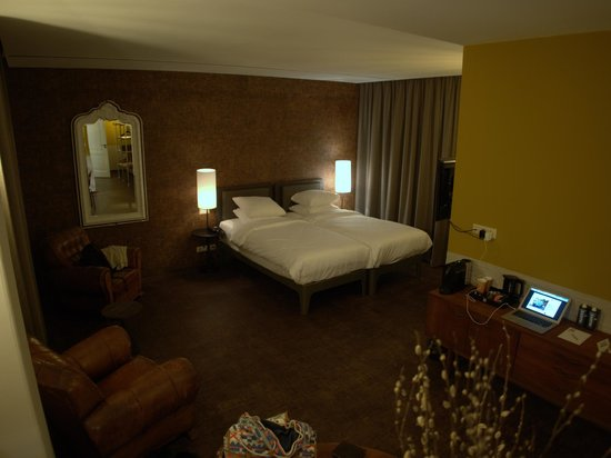 Hotel V Nesplein: Beautiful spacious room