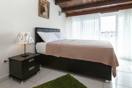 Leda Flats: bedroom
