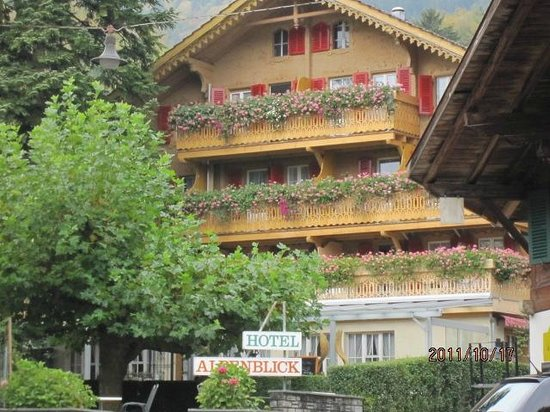 Hotel-Restaurant Alpenblick : from the road view