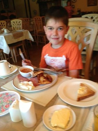 Arch House : fishermans breakfast being thoroughly enjoyed!