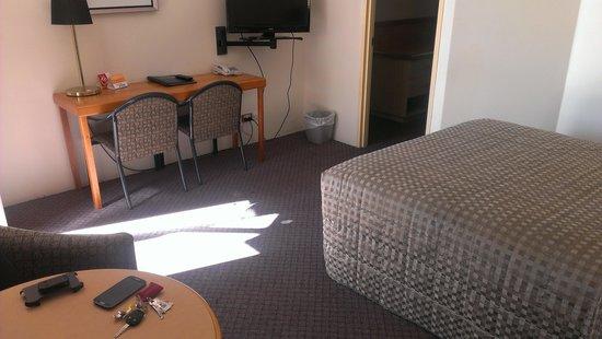 Comfort Inn Midas : Inside the room.