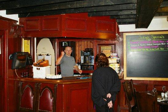 Hollywood Inn: A very amiable host
