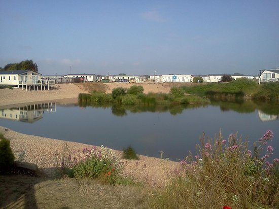 Romney Sands Holiday Park - Park Resorts: The fishing lake