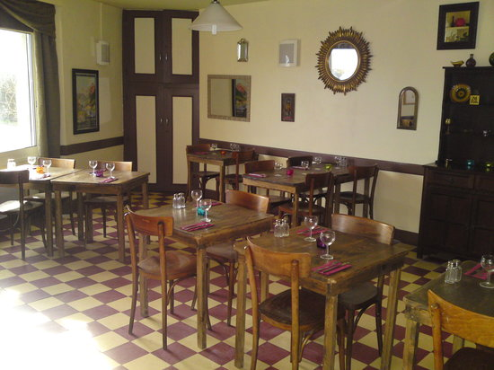 Buziet, Frankrike: The Restaurant