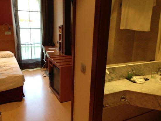 โฮเต็ล เร้ดดิ้ง: Hotelkamer 5e verdieping