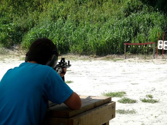 Florida Firearms Adventures : AR-15