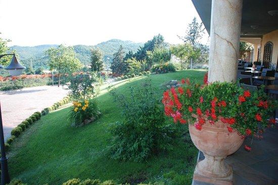 Giardino veranda picture of la rocca dei frangipane - Veranda in giardino ...