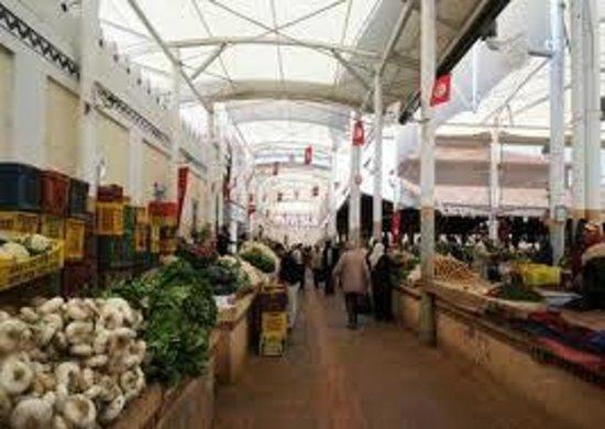 le marche central de Tunis : le marché des fruits et des légumes