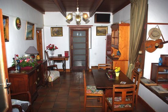 Kates Country Kitchen Accommodation: Dining room