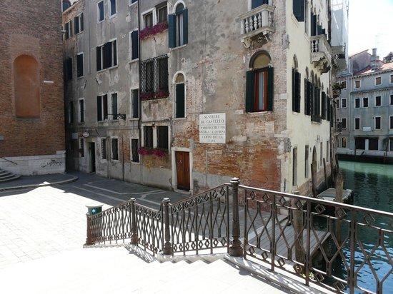 Hotel alla Fava : La place ou se trouve l'otel alla fava