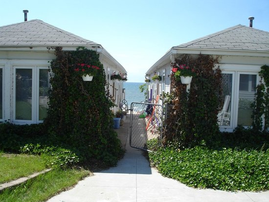 MichiMonaMac Lakeshore Cottages: 4 best cottages in South Haven