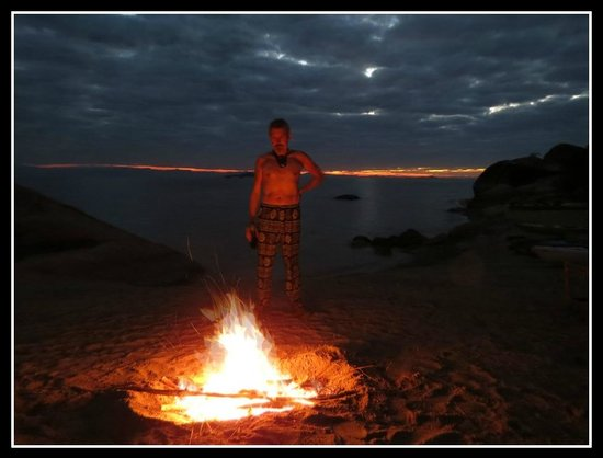 Domwe Island Adventure Camp: Braai on beach