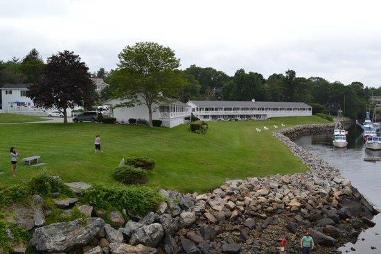 Riverside Motel: view from footbridge