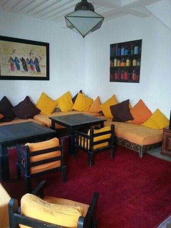 Riad Dar Nimbus: salon détente