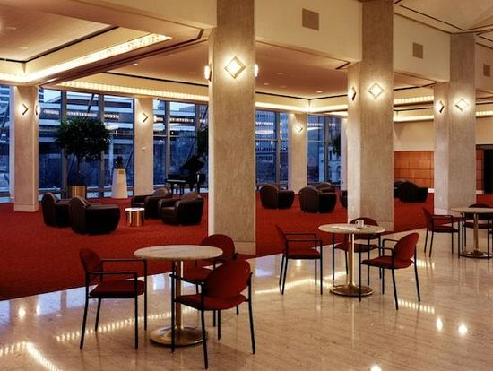 Marcus Center: Anello Atrium & Magin Lounge