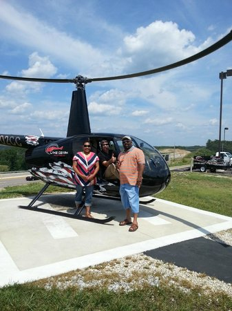 Lake Ozark Helicopters : Erwin and Kim Jones 2013 Helicopter Ride