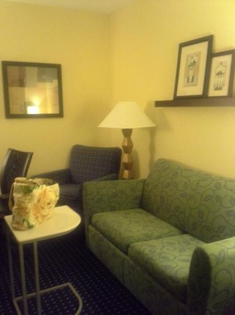 SpringHill Suites Annapolis: Living Room area