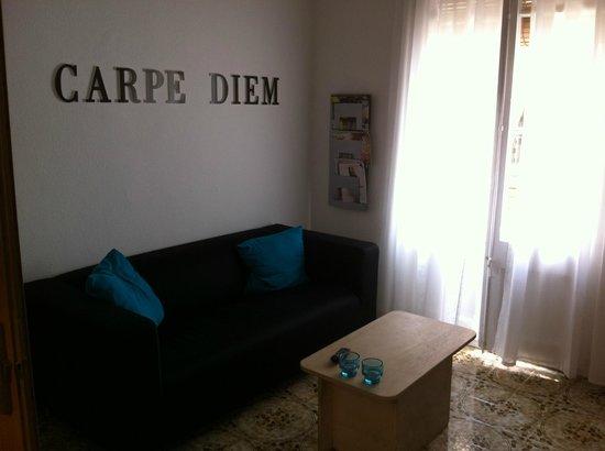 Enzo B&B Roser: Living room