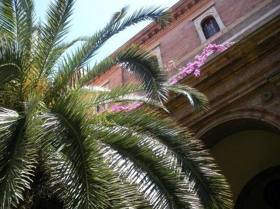 Istituto San Giuseppe di Cluny : Le jardin sur la terrasse au 2e