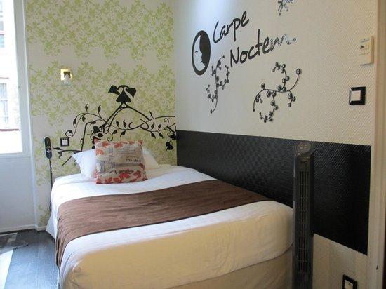 Hotel Pointe Rivoli: Airy and cheerful single room