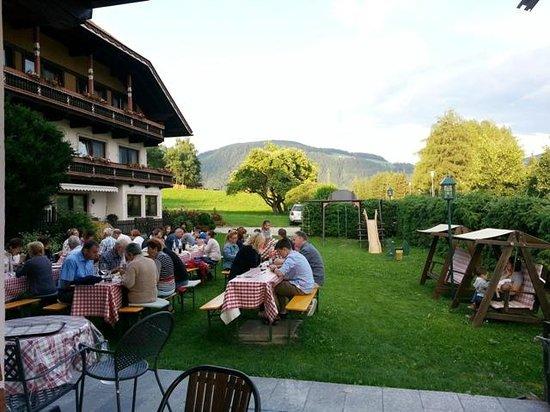 Hotel Scherer: Grigliata in giardino
