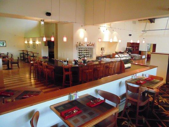Ramada West Palm Beach Airport: Pesto Restaurant