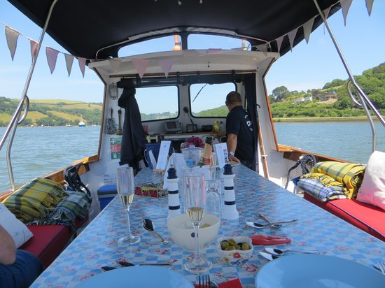 The Picnic Boat: The Boat