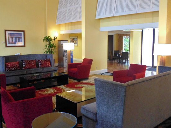 Ramada West Palm Beach Airport: Newly Renovated Lobby